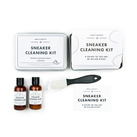 Sneaker cleaing kit