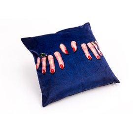Dita cushion